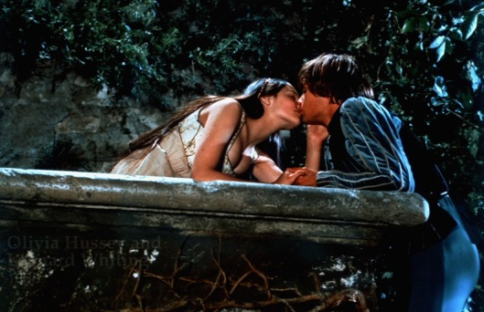 Romeo and Juliet Kiss
