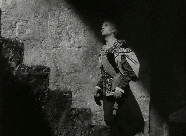 Olivier Hamlet 6