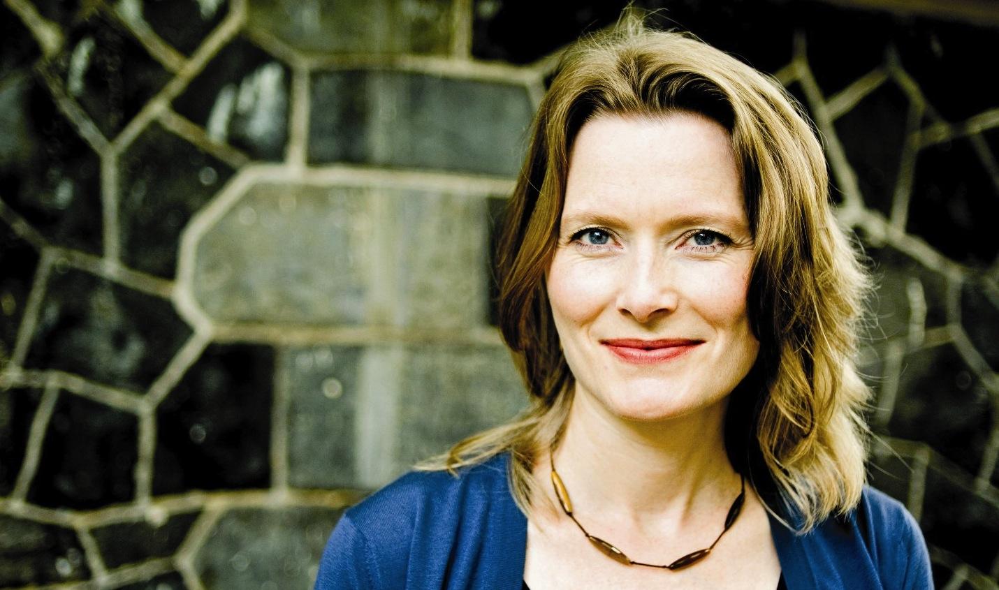 Jennifer-Egan-c-Pieter-M.-Van-Hattem-blue