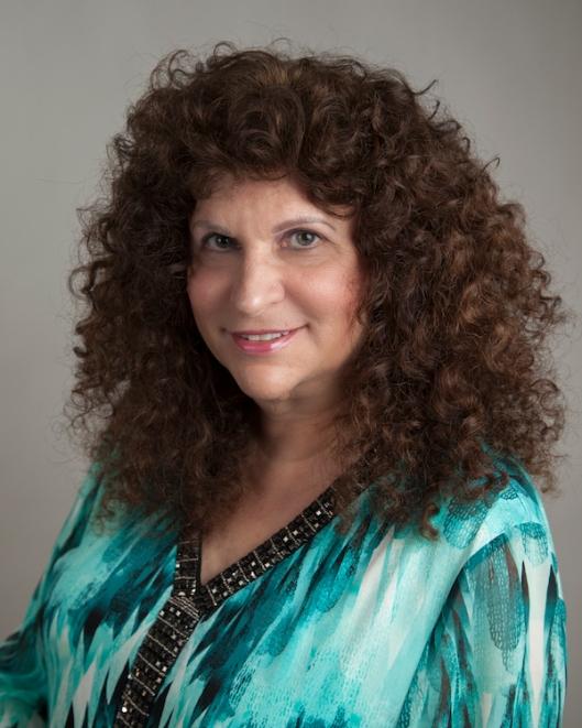 17 - Leslie Halpern author photo