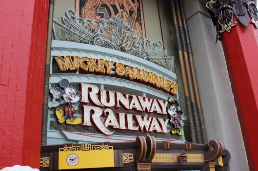 Mickey and Minnie's Runaway Railway Sign