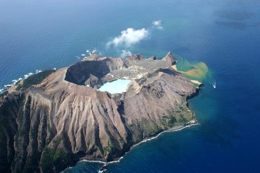 volcano-2940034
